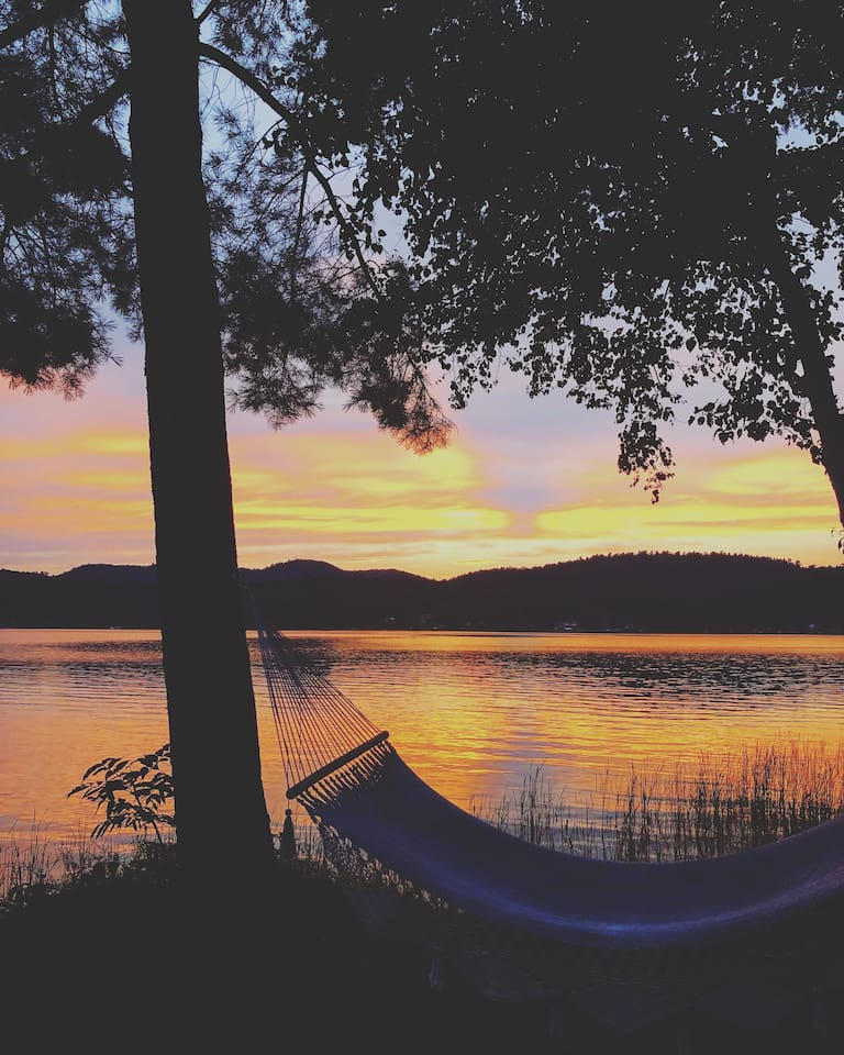 Hammocks and sunsets are always a good idea!