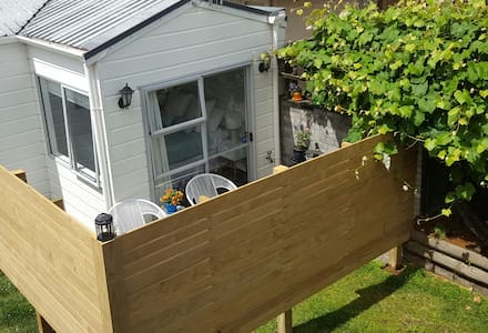 Cosy Self Contained Studio - Mount Maunganui - Hytte