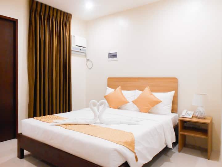Comfortable Minimal Room for 2 (Capitol Escario)