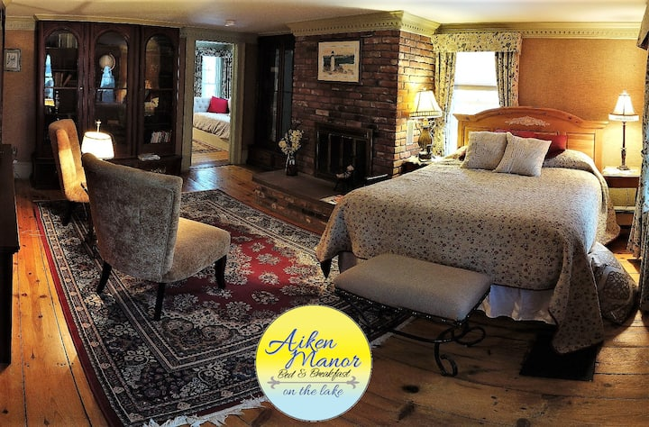 Historic Suite on Webster Lake ,Bed &Breakfast