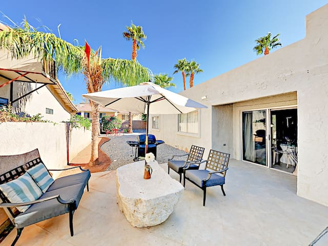 Desert Hot Springs 3BR w/ Shared Pool & Jacuzzi