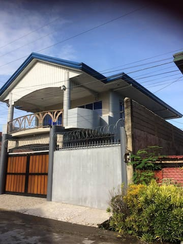 Brand New 2 Story House with 5 Bedrooms - Silay City - Casa