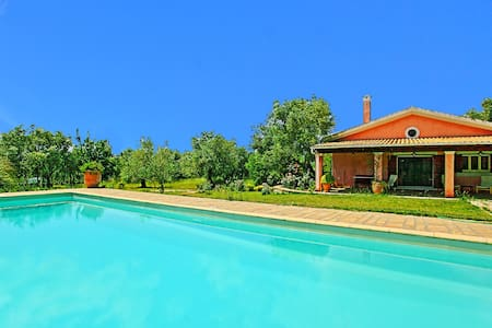 Villa Cleopatra with private pool - Poulades