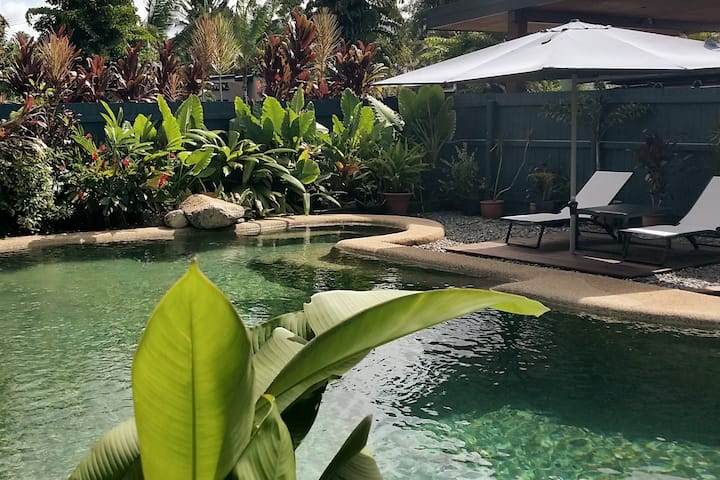 Private Tropical Beach House Cairns