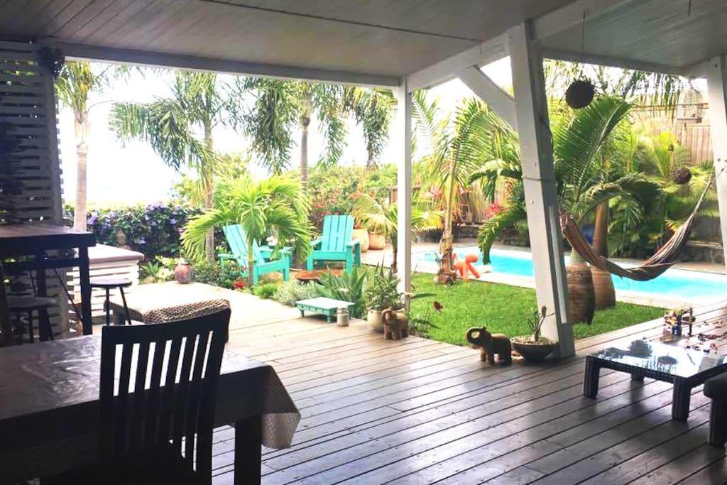Maison individuelle piscine jardin houses for rent in - Pool house piscine moderne saint paul ...
