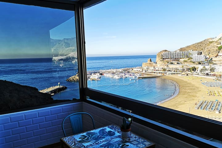 Luxury apartment with pool, 1minute from the beach