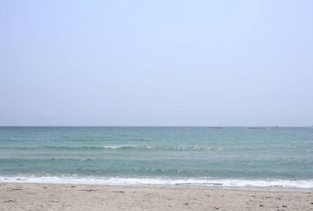 백도해변 도보10초 독채 단독사용, 가족단위 해수욕, 낚시, 바비큐파티 연하우스 해안도로