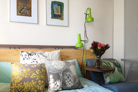 Artists Retreat - FEMALE ONLY - Seacombe Heights - Haus