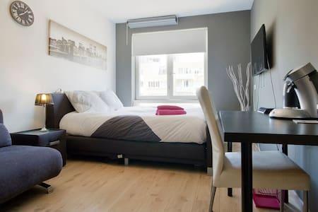 MODERN ROOM AT PERFECT LOCATIONv - Amszterdam - Lakás
