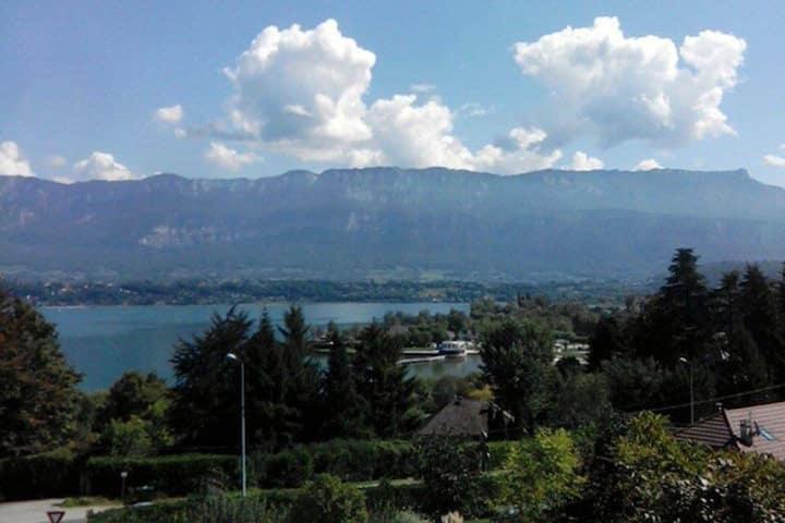 Appartement vue lac et montagne