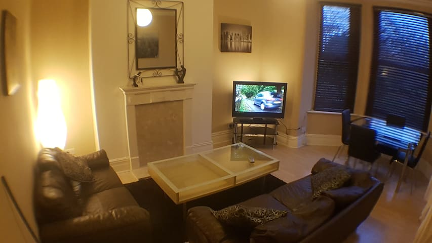 Spacious 2 bed roomed apartment