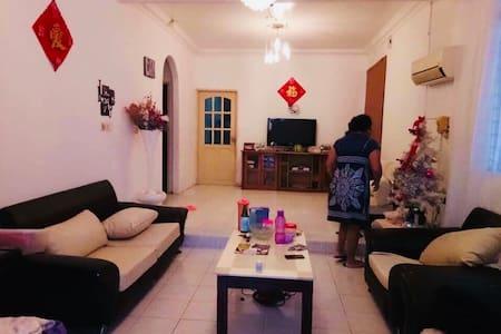舒服的家,尤其像回到了自己的家的感觉。还能呼吸到大自然的温暖空气