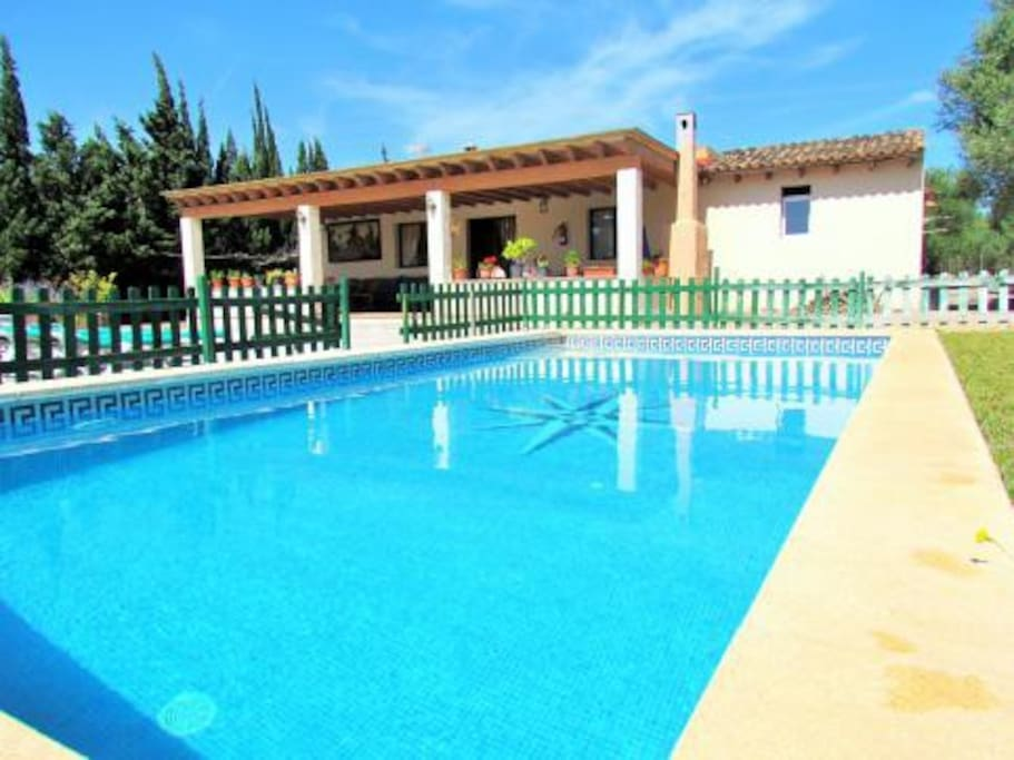 Cozy cottage with private pool in sa coma maisons for Piscines illes