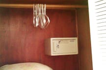Cofre no armário do Dormitório Casal