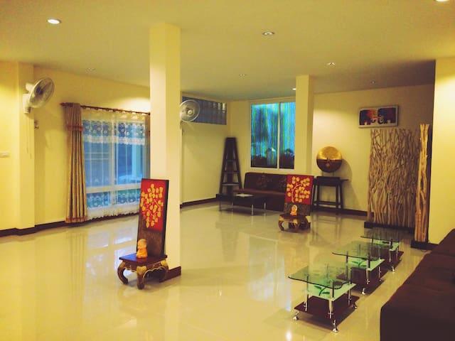Phuntae Home - Chiangmai  - Casa