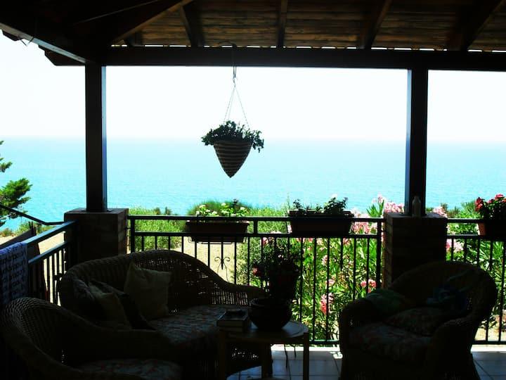 Villa il Carrubo 100mt from the beach
