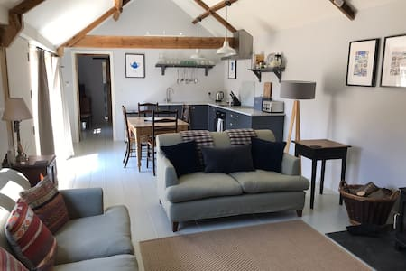 The Dairy - Spacious Barn Conversion  Sleeps 2