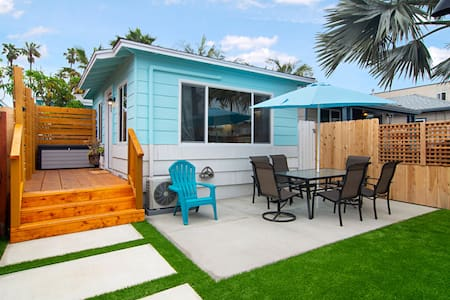 Cozy Modern Cottage by the sea # 1 FRONT UNIT w/AC