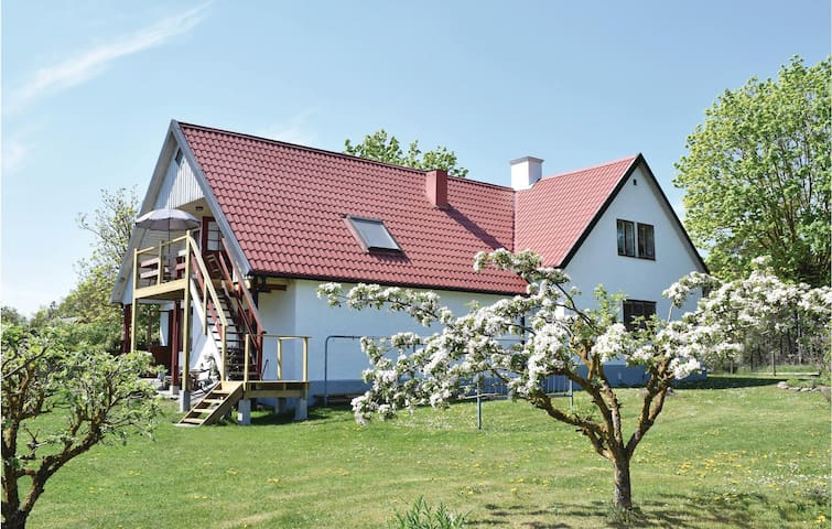 Holiday apartment with 1 room on 47m² in Lärbro
