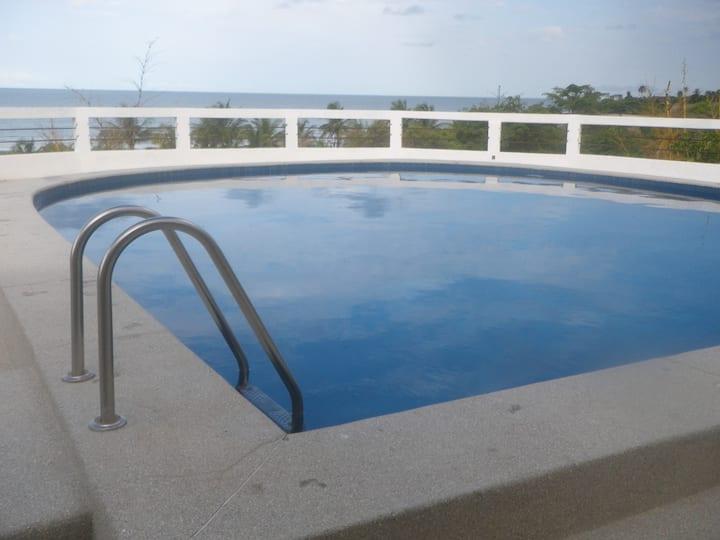 Face à l'océan avec piscine