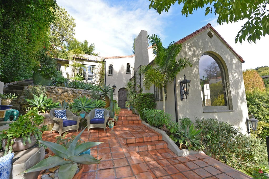 Villa Knoll - Houses for Rent in Los Angeles, California, United States