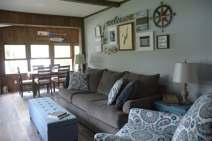 Restful & Relaxing Cottage on Lake Bomoseen