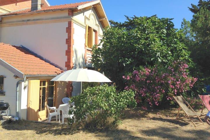 Terrasse de la petite villa