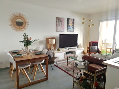 Bright Appartement with Hot Tub near Geneva