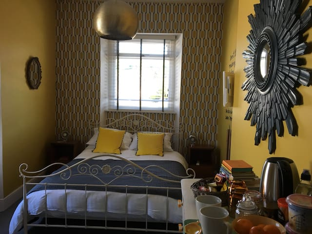 Beautiful Boutique Ensuite in Conwy