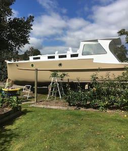 LOVE BOAT -1920 Classic Wooden Boat - Boat