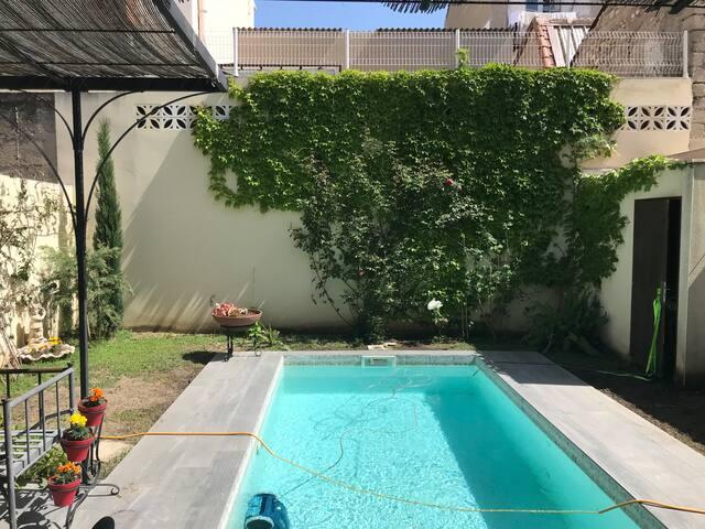 Piscine / jardin