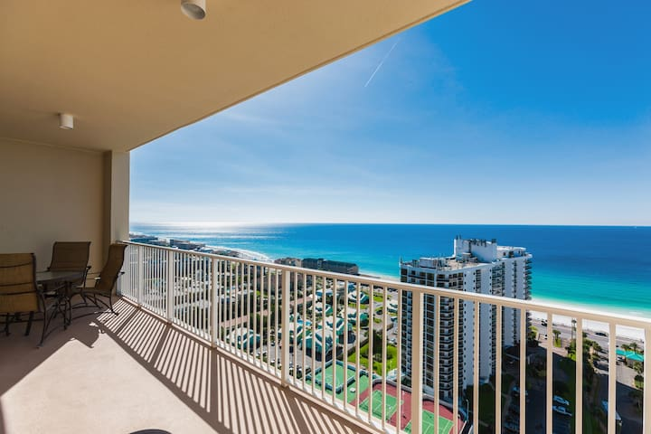 This Gulf-view condo is professionally managed by TurnKey Vacation Rentals.