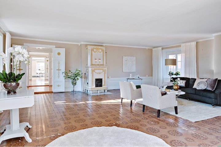Large house-like flat with garden at Drottningholm
