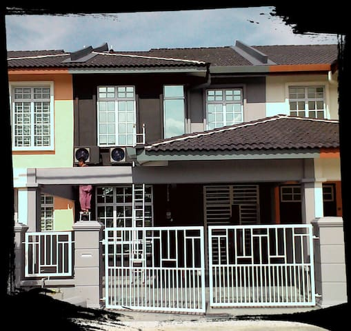 A'Famosa The Bricks Room by Warehouse 78 - Alor Gajah - Talo
