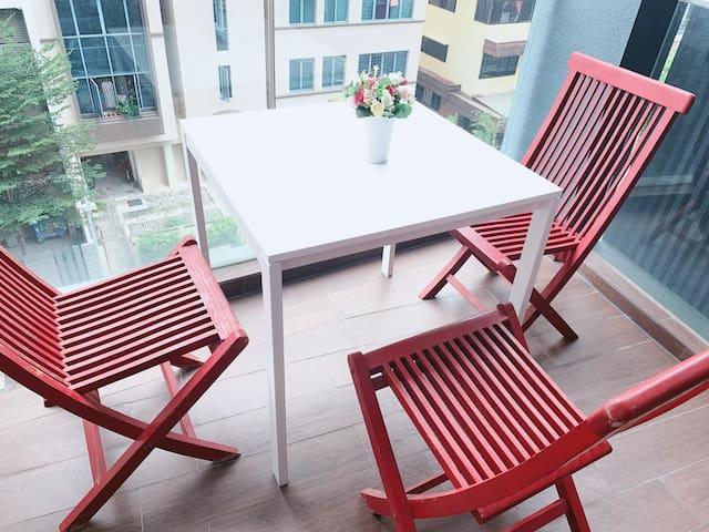 Amazing Spacious 1 Bedroom Apt Unit @ Central SG~~
