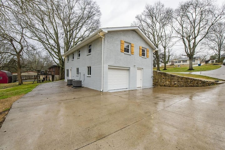 Cozy Studio 20 minutes from Downtown Nashville
