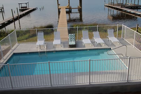 6BR Waterfront,  Private Pool,   Dock, Pier