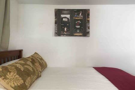 FULL BED WITH TRUNDLE TWIN EXC.LOCAT. 3MtoBEACH.R2