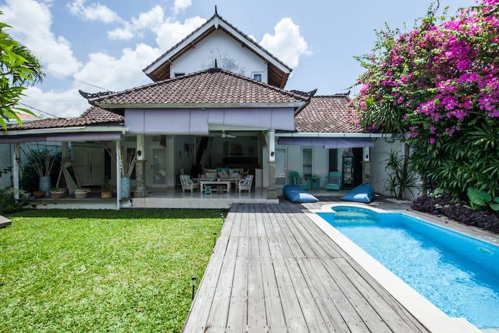 Zen and Typical villa 1 bedroom with pool,garden.