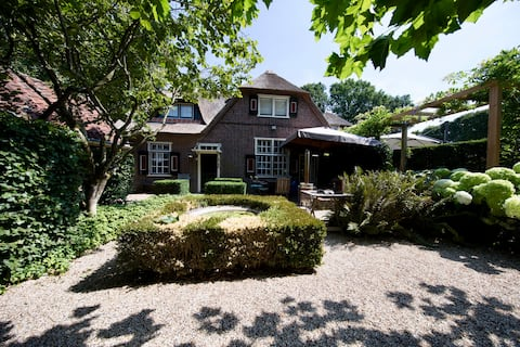 Beautifull cottage in the centre of Laren