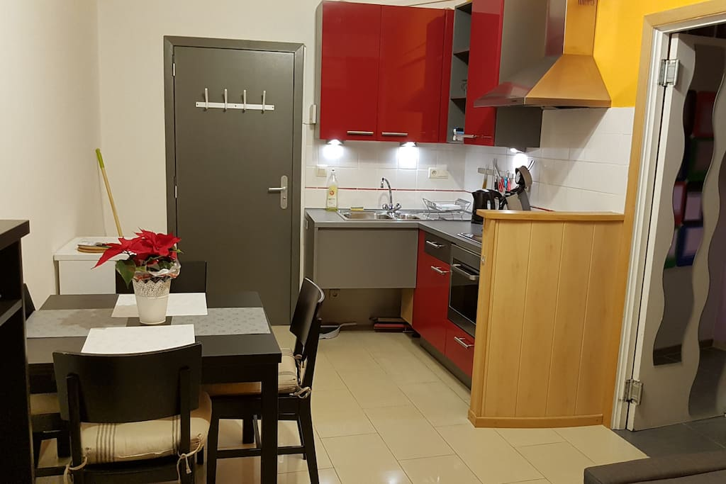 Appart 2 chambres tout confort flats for rent in for Appart hotel 2 chambres bruxelles