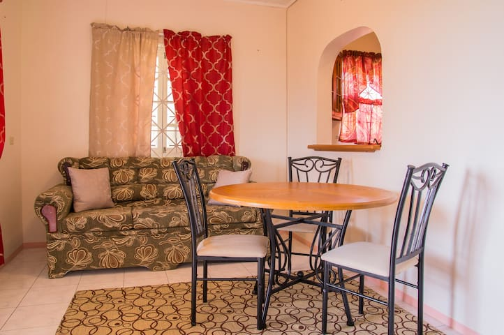 Private Apt/Portmore/Ocean View - Hellshire - House