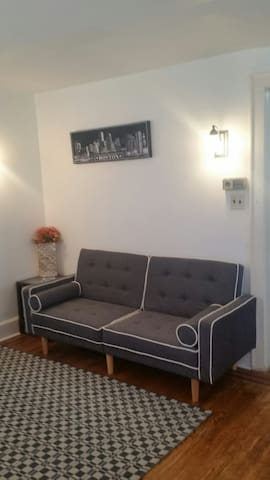 Comfy home with parking - Queens - Talo