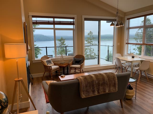 FOREST RIDGE, Port Renfrew Retreat