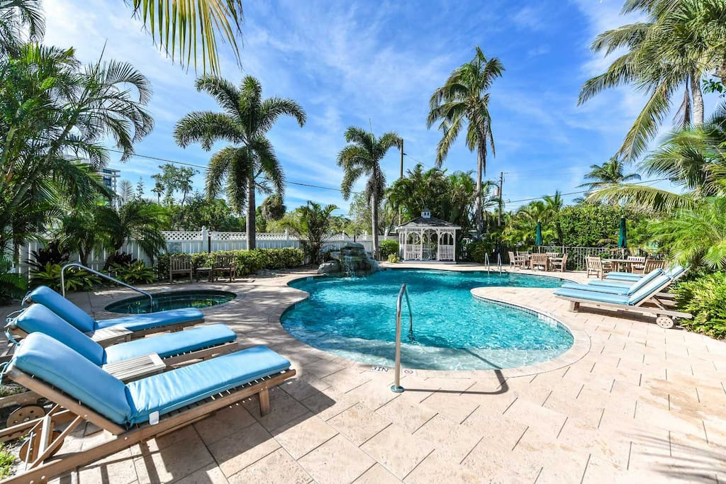 Pool and Hot Tub Available less than 1 Block Away