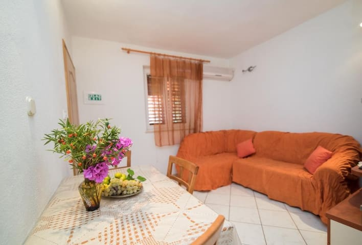 Apartments Longo - Standard One Bedroom Apartment with Terrace(A3)