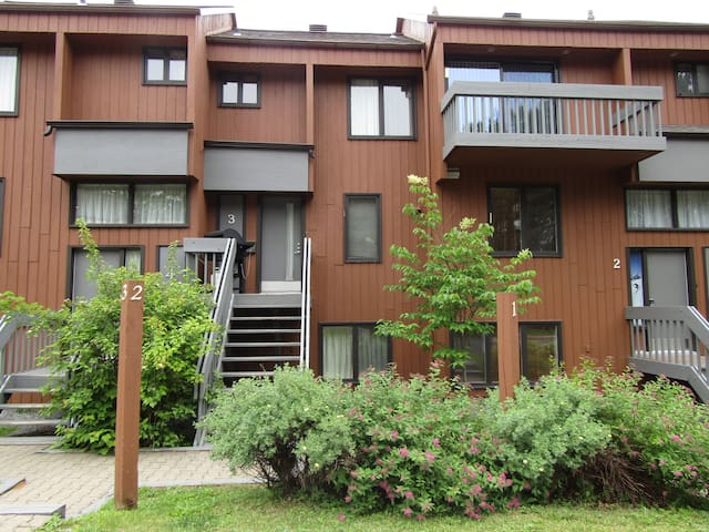 A townhouse at the foot of Mont Sainte-Anne