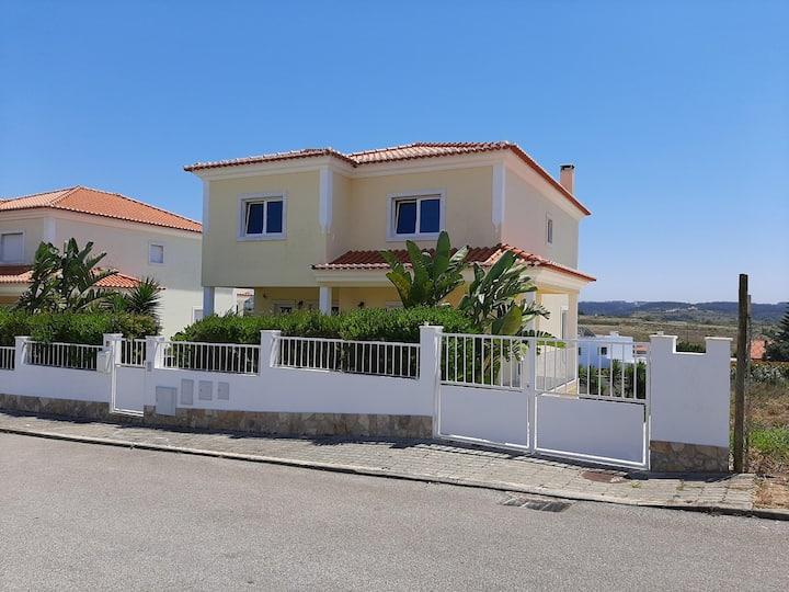 Ericeira Ribeira d'ilhas villa (Also for winter)