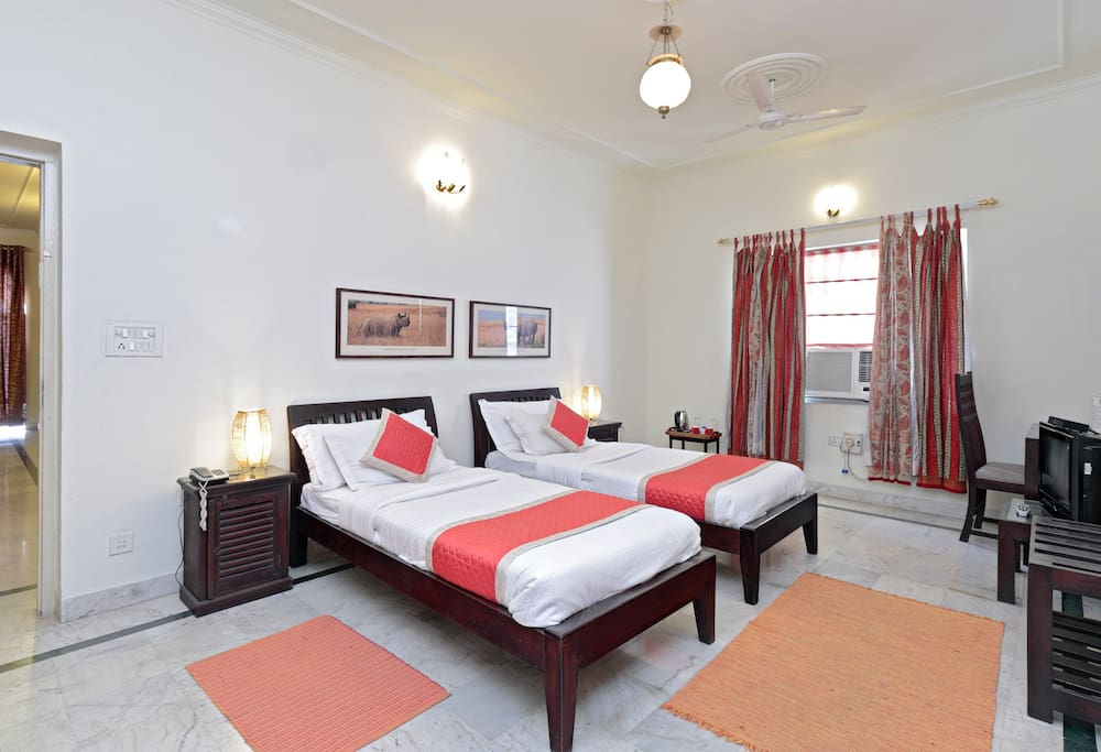 Large Red room ideal for kids travelling with family