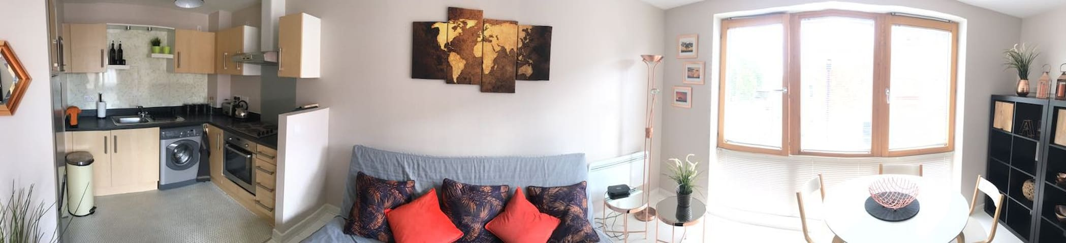 Stylish flat in the new city of Bristol